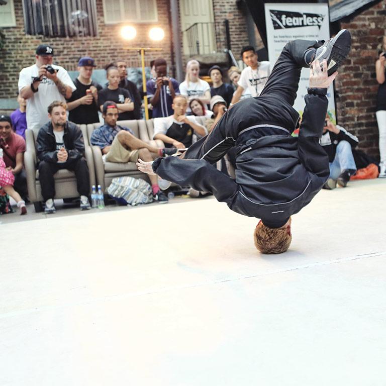 centro studi scuola laquila abruzzo teatro dei 99 corsi lezioni danza danza hip hop